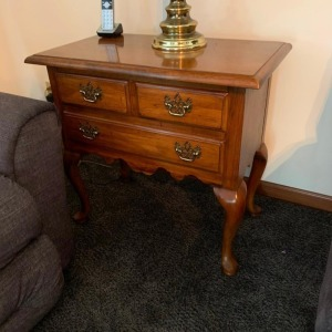 Side table (Thomasville)