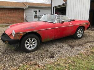 1977 MGB convertible project car with extra parts, no title