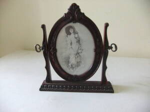 Swivel Table Top Picture Frame