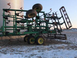 JD 980 Field Cultivators